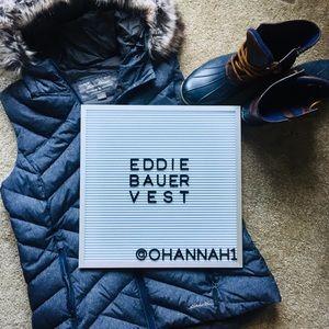 NWOT Eddie Bauer women's puffy vest